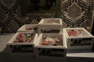 Wagyu-vlees in piepschuim koelbox